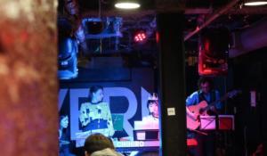 Cavern bar Show Pic w Linda carone chihiro & the classy notes music dress crown nagamatsu toronto live concert